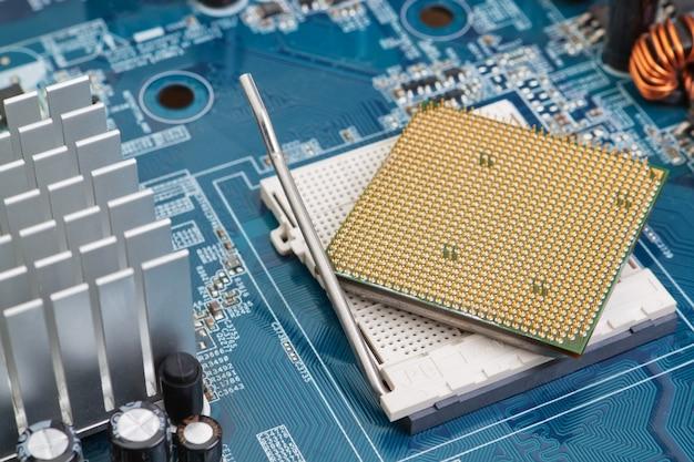 Soquete do processador em close-up da placa-mãe.
