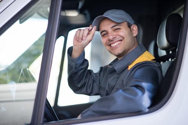 Sorrindo, camionete, motorista, retrato