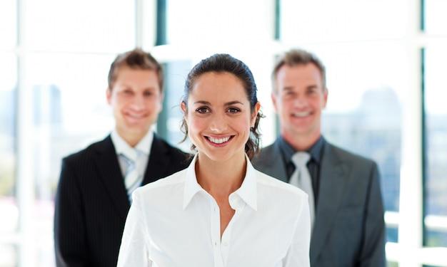 Sorrindo, executiva, com, dela, equipe