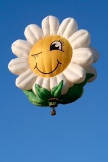 Sorrindo margarida rodada balão de ar