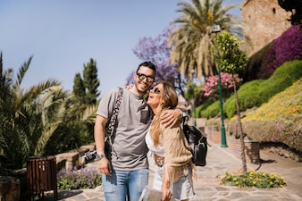 Sorrindo, par jovem, ficar, parque