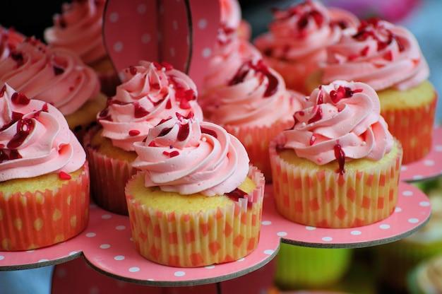 Sortido de cupcakes rosa