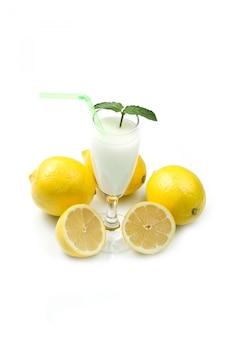 Sorvete de limão em preto