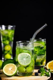 Sorvete de verão mojito cocktail