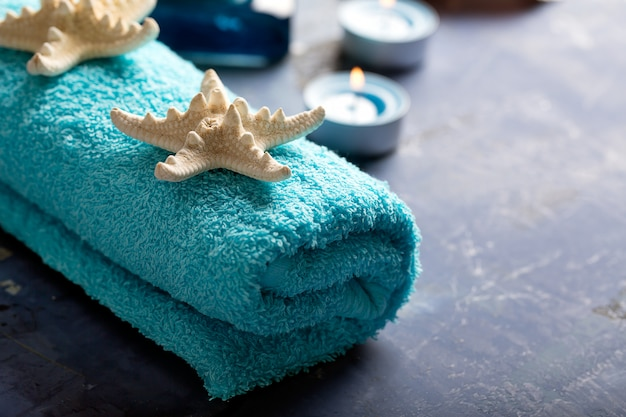 Spa ainda vida com toalha