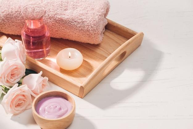 Spa e aromaterapia flor de rosa e óleo essencial
