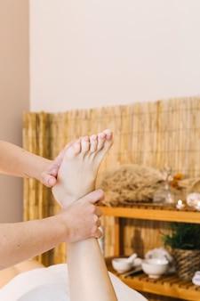 Spa e massagem conceito com pés