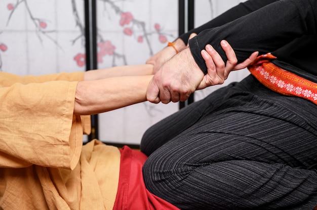 Spa e massagem, massagem tailandesa e spa para cura e relaxamento.