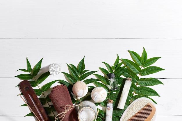 Spa natural e produtos de beleza de aromaterapia para a pele com acessórios de banheiro, incluindo esfoliação ...