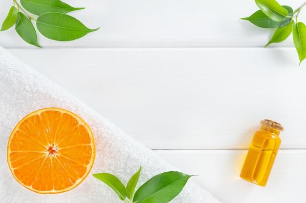 Spa natural ou cosméticos caseiros com frutas alaranjadas.