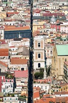 Spaccanapoli, nápoles, itália. vista, de, spaccanapoli, rua, dividir, cidade, centro