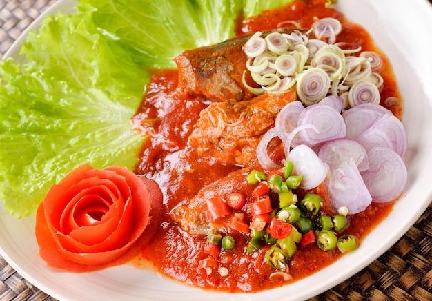 Spicy fish canned sardines salad, comida tailandesa