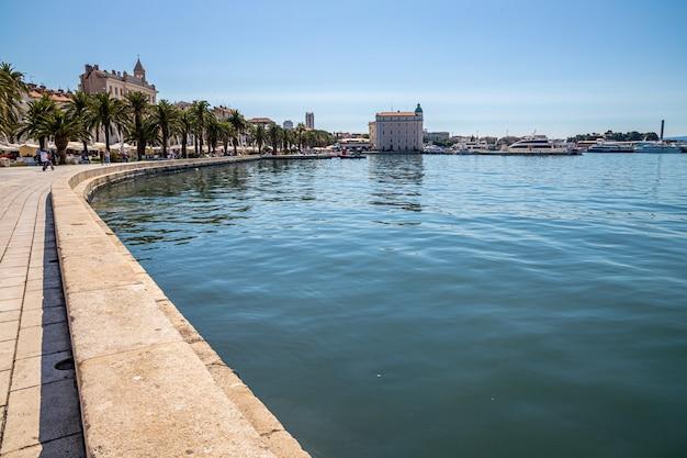 Split croácia porto matejuska mar adriático Foto Premium