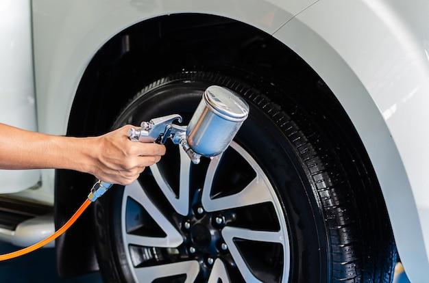 Spray de revestimento nos pneus