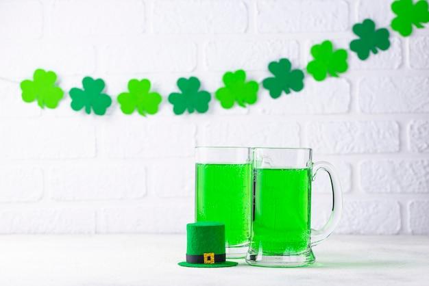 St. patricks day cerveja verde