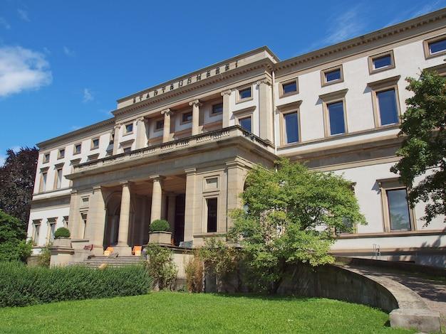Stadtbuecherei (biblioteca municipal), stuttgart