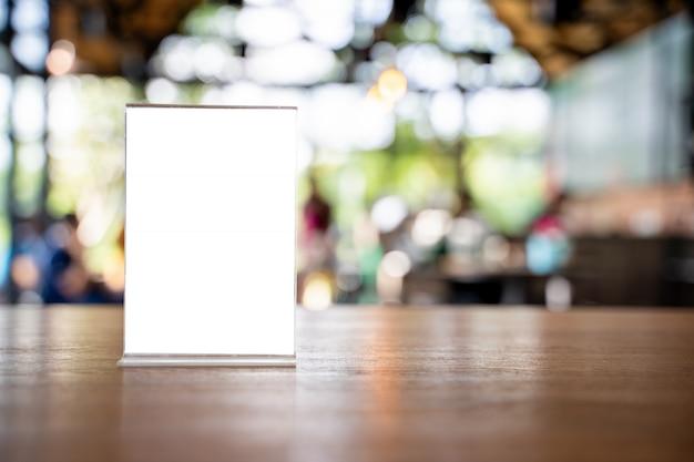 Stand mock up menu quadro tenda cartão borrado fundo design chave layout visual.