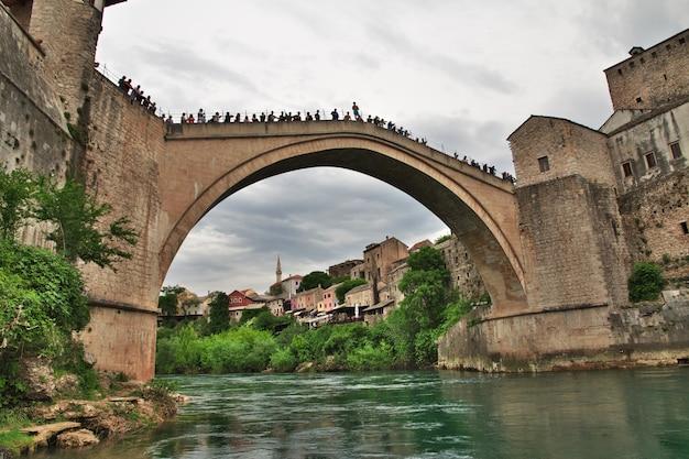 Stari most - a ponte velha em mostar, bósnia e herzegovina