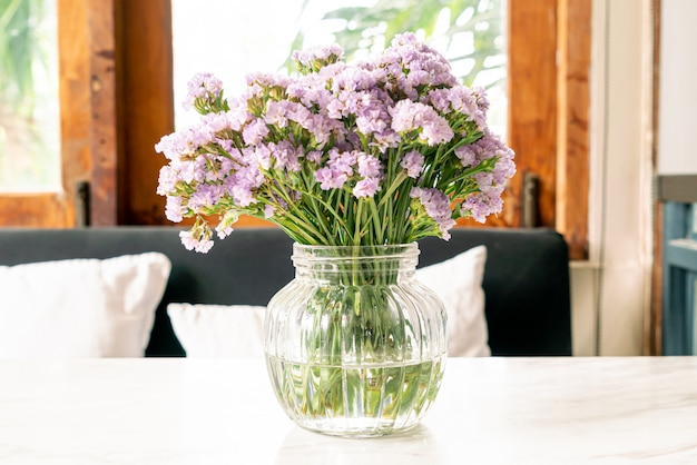 Statice flor em vaso