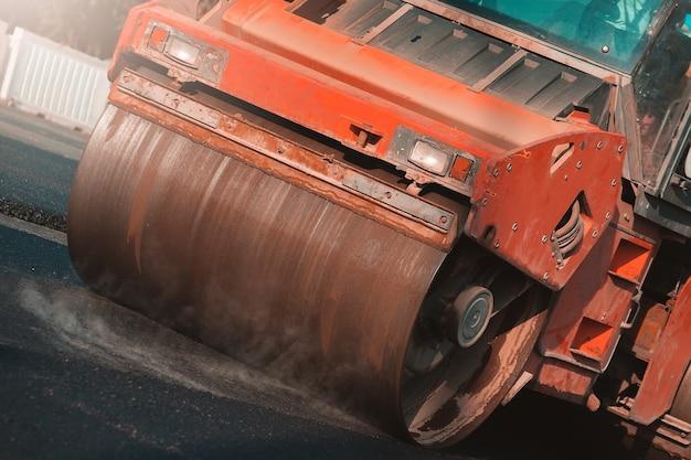 Steamroller. construção de estradas.