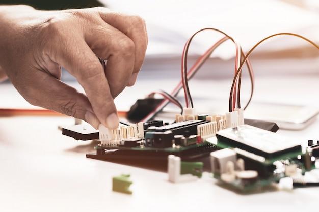 Stem educação para aprendizagem, placa eletrônica para ser programada pela robótica eletrônica