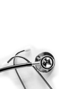 Stetoskop médico isolado