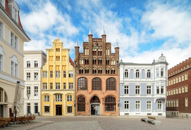 Stralsung, casas históricas na praça do mercado