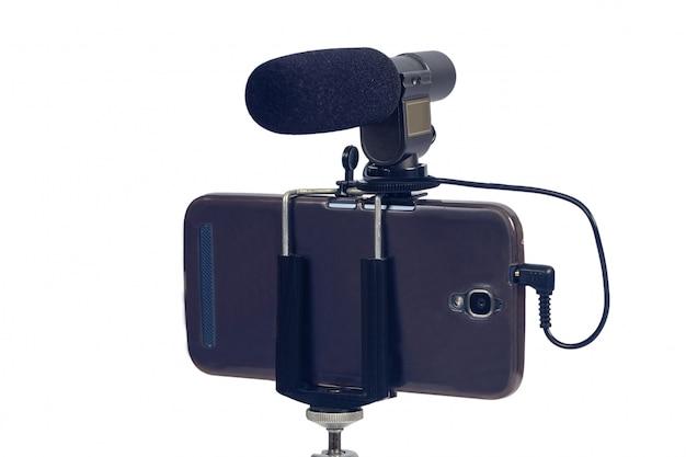 Streaming de vídeo ao vivo com telefone inteligente e ferramenta de microfone.