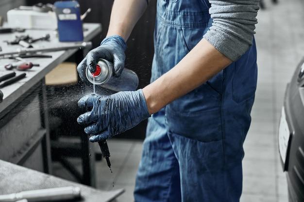 Substância de pulverização mecânica para remover a ferrugem da vela de ignição