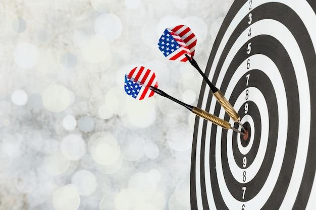 Sucesso atingindo alvo, conceito de realização de objetivo de objetivo