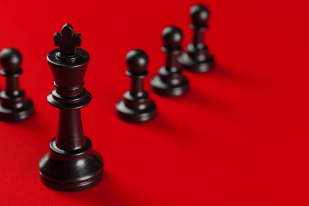 Sucesso nos negócios de xadrez, conceito de liderança.