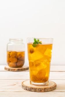 Suco de ameixa chinês