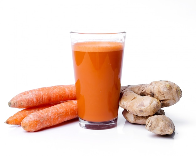 Suco de cenoura com raiz de gengibre