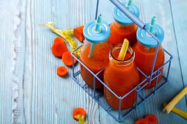 Suco de cenoura espremido na hora