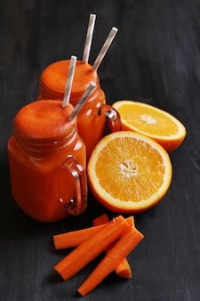 Suco de cenoura fresca