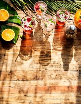 Suco de frutas bebida cocktail de frescura