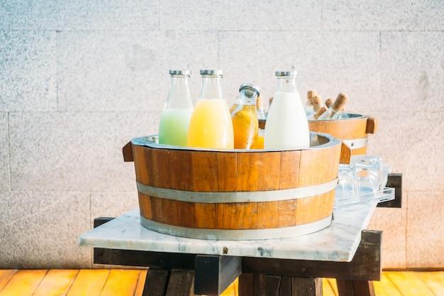 Suco de frutas e leite