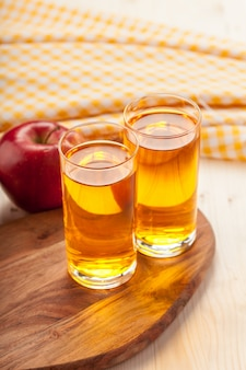 Suco de maçã caseiro