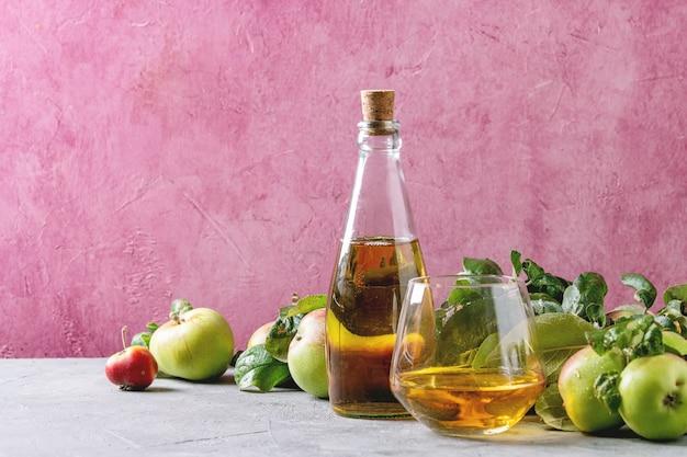 Suco de maçã fresco