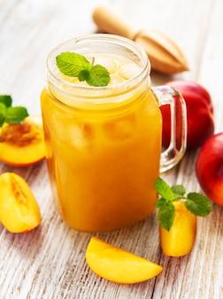 Suco de nectarina com frutas frescas