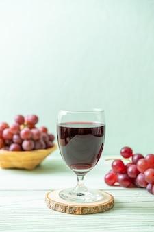 Suco de uva fresco
