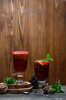 Suco fresco com frutas mistas