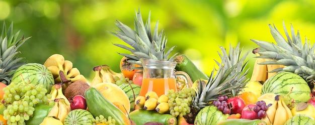 Suco multivitamínico de frutas tropicais