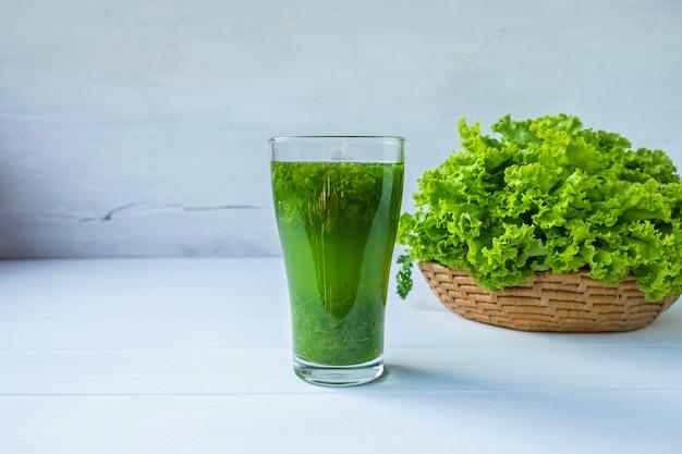 Sucos de vegetais frescos para a saúde
