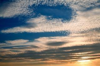 Sunset céu nublado