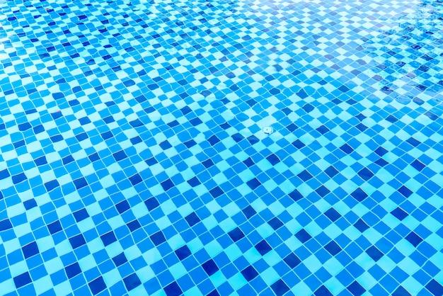 Superfície da piscina