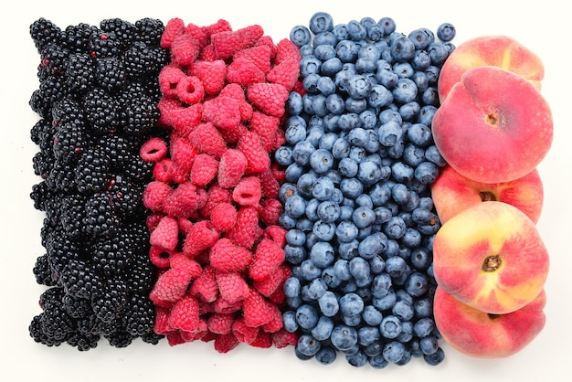 Superfície de amora preta, framboesa, mirtilo, figo e pêssego