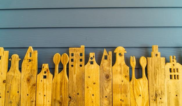Superfície de madeira da prancha áspera da prancha