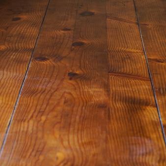 Superfície de madeira em primeiro plano