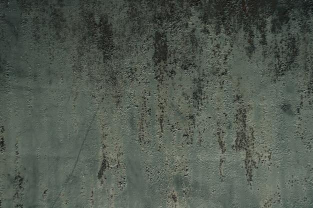 Superfície de metal enferrujada de fundo multicolorido com pintura descascada e rachada, defeitos naturais ...